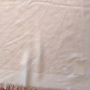 Louis Vuitton Accessories - Louis Vuitton wrap huge